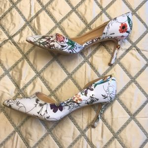 White Flowered Shoes 8.5
